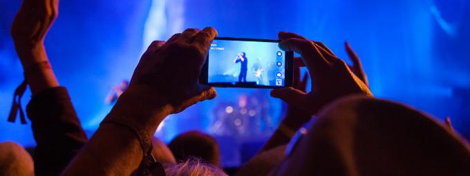 capturing event photos like a professional photographer